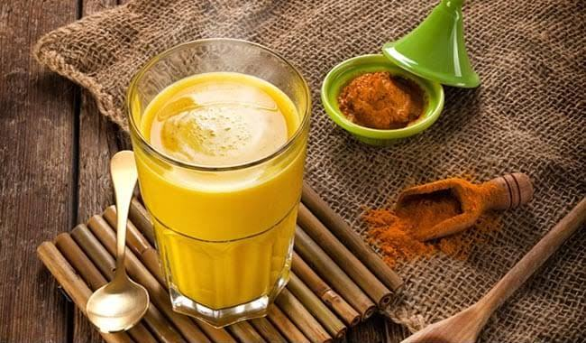 benefits turmeric milk